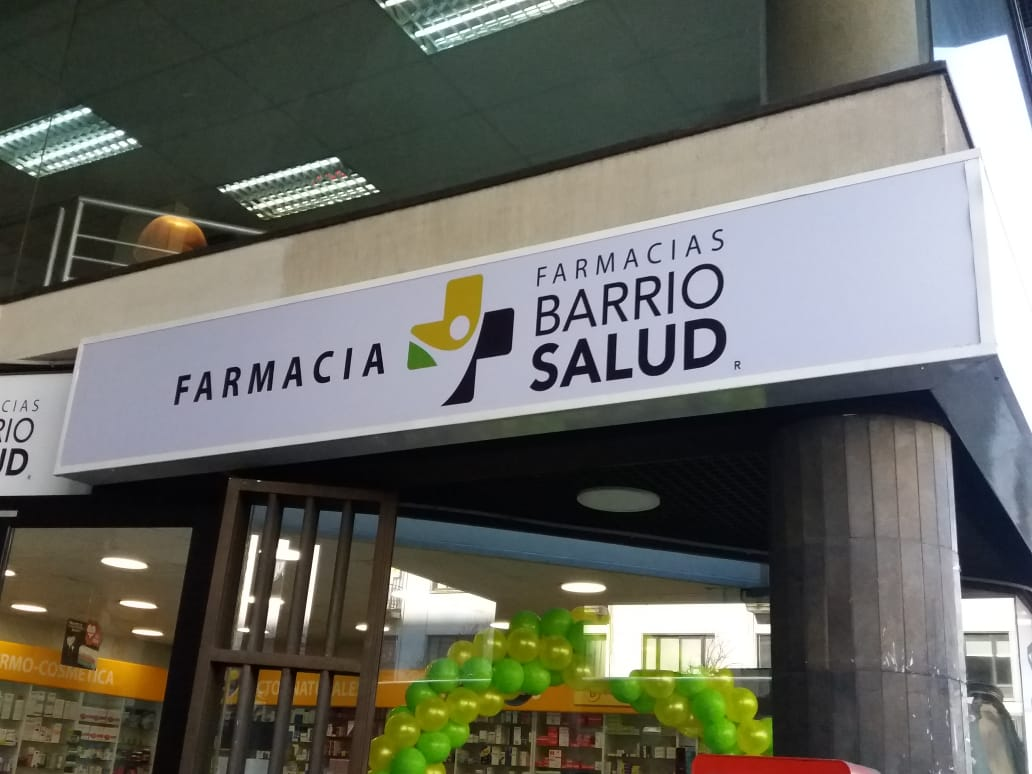 DPImpress - Letreros Luminosos Farmacia Barrio Salud Concepción