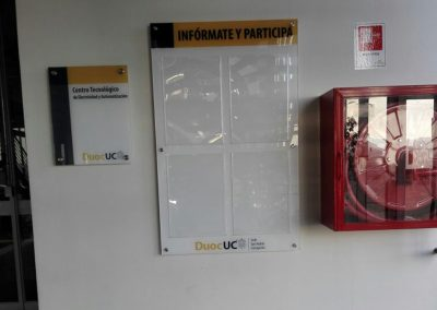 Dpimpress - Acrílicos DUOC UC Concepción